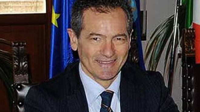 Cadeo cerca sponsor il sindaco bricconi utili per for Cambio arredo cadeo