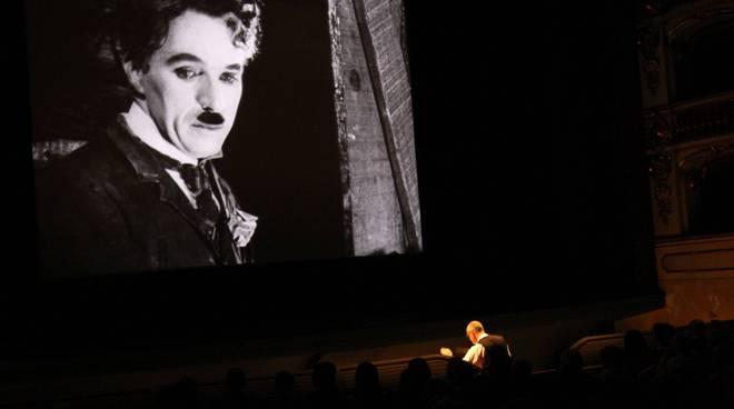 Charlie Chaplin e Cherubini