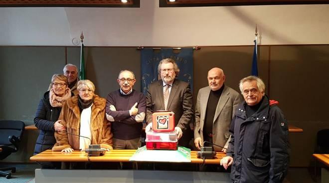 Consegna del defibrillatore a Bobbio