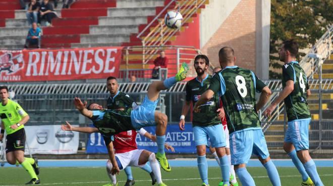 Nella foto di Gilberto Poggi, un momento del match tra Rimini e Vigor Carpaneto 1922