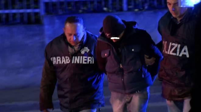 polizia arresto antagonista