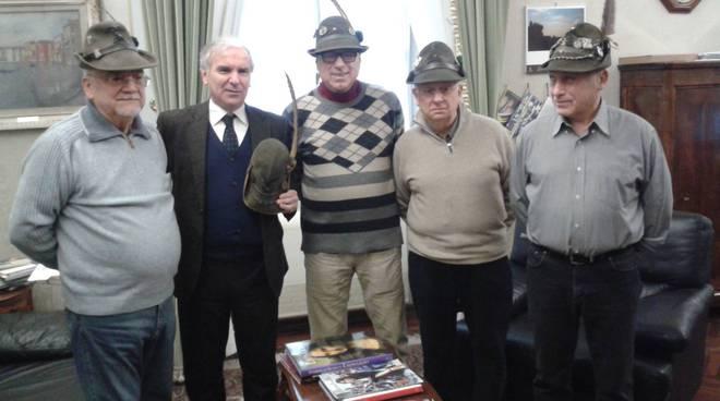 Prefetto Falco incontra gli Alpini di Piacenza