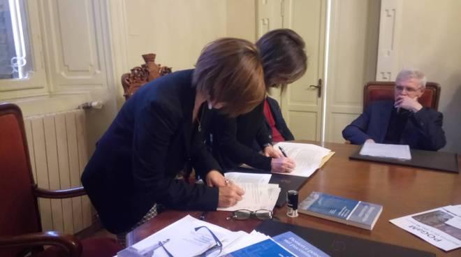 Firma protocollo d'impresa Oil & Gas