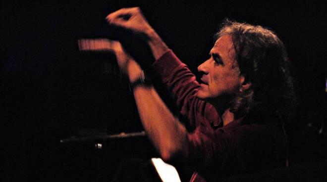 Il maestro Corrado Casati