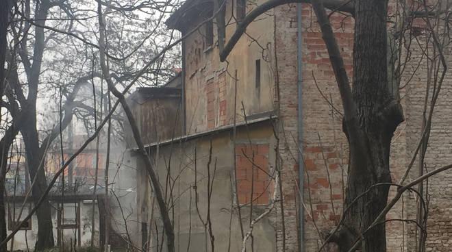 L'incendio in via Nino Bixio