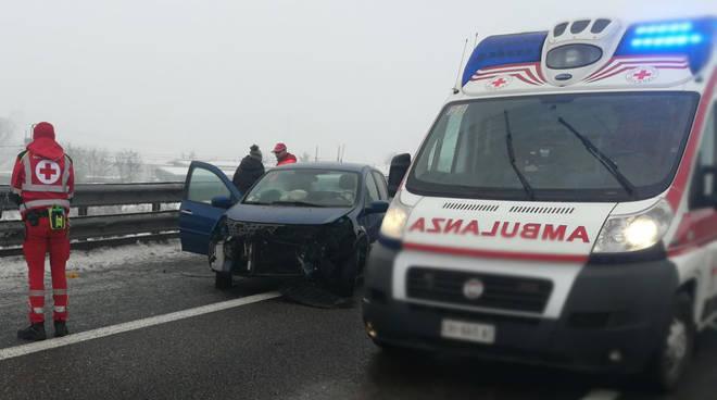 Neve e gelicidio, chiusa A21 tra Piacenza e Brescia
