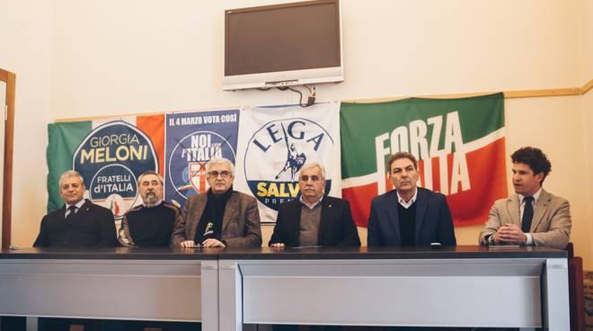 La conferenza stampa degli esponenti del centrodestra
