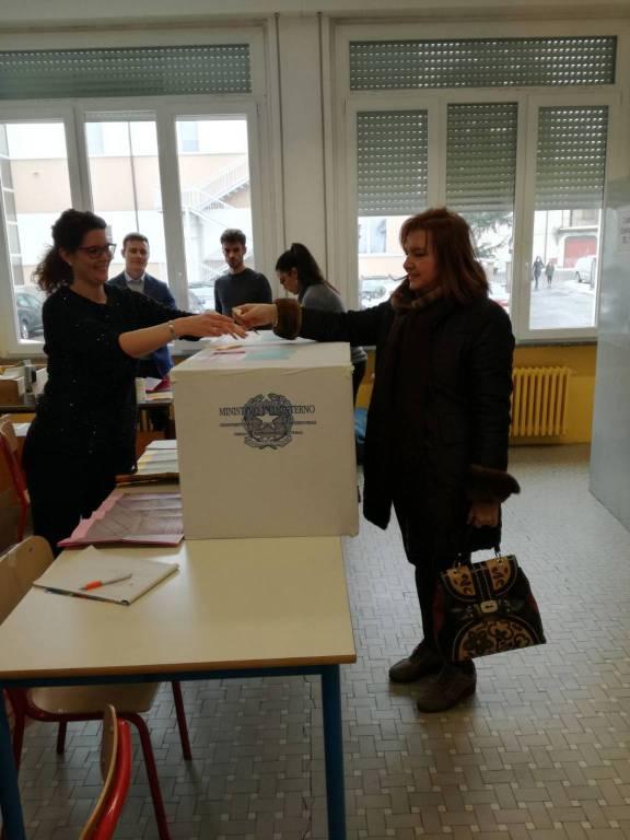 Patrizia Calza al voto