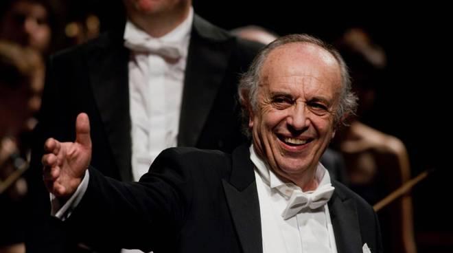 Recital Leo Nucci al Teatro Municipale