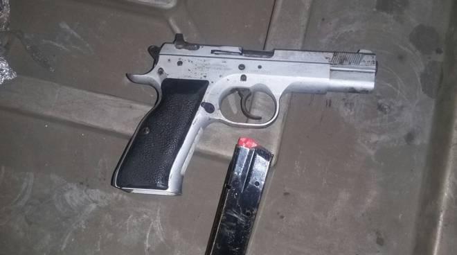 Armi e droga sequestrati da carabinieri di bobbio e guardia di finanza