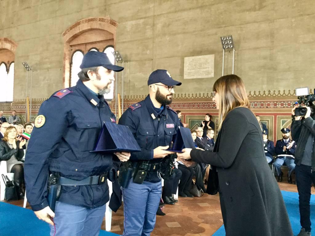 Agenti che si sono distinti in servizio tutti i premiati - Foto della polizia citazioni ...