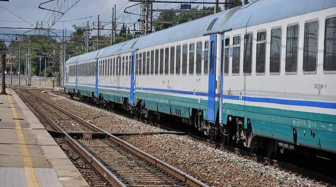 Locomotore esce dai binari a Lodi: circolazione ferroviaria in tilt