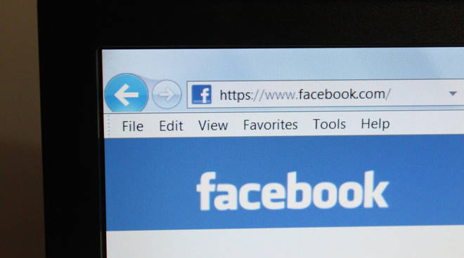 Computer Facebook