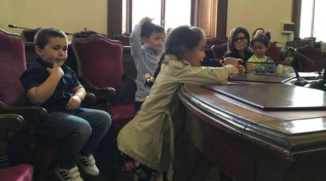 I bambini dell'Aldo Moro incontrano il sindaco Patrizia Barbieri