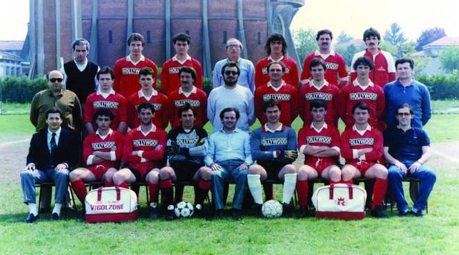 La squadra del Vigolzone Calcio vincitrice nel 1986 del campionato di seconda categoria