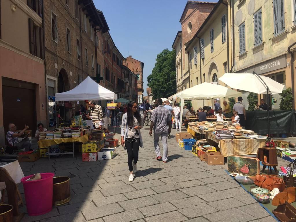 Mercatino Del Riuso In Via Roma A Piacenza