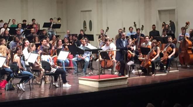 Riccardo Muti e l'orchestra giovanile Cherubini