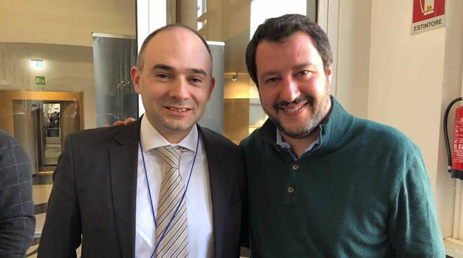 Gianluca Vinci con Matteo Salvini (foto Facebook)