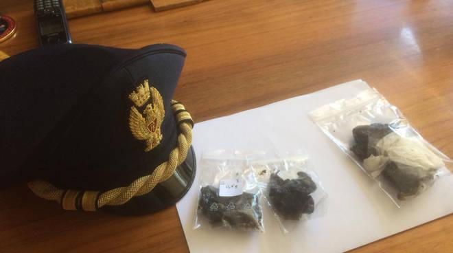 La droga recuperata dalla polizia