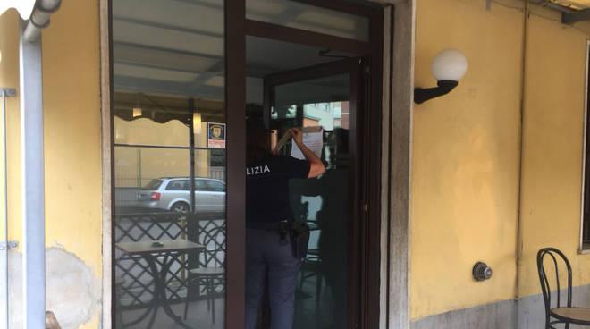Le forze dell'ordine al bar di Fiorenzuola