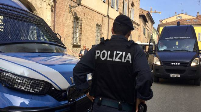 polizia in tribunale