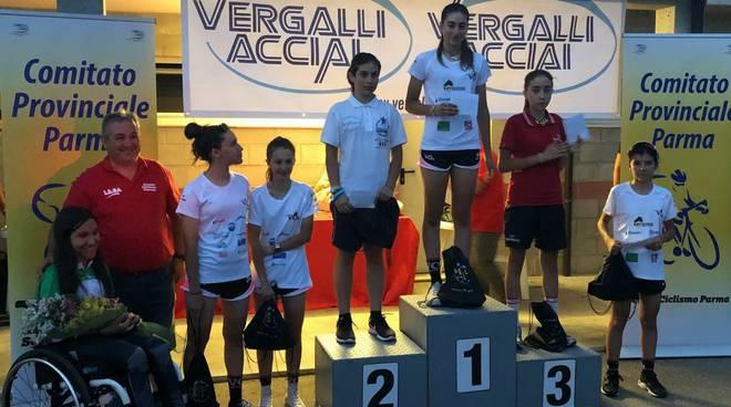 Premiazione Donne Esordienti alla gara tipo-pista di Fognano