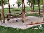 Vandali in azione al parco giochi di Podenzano