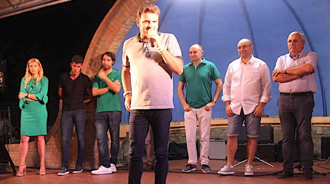 Centinaio sul palco alla festa della Lega