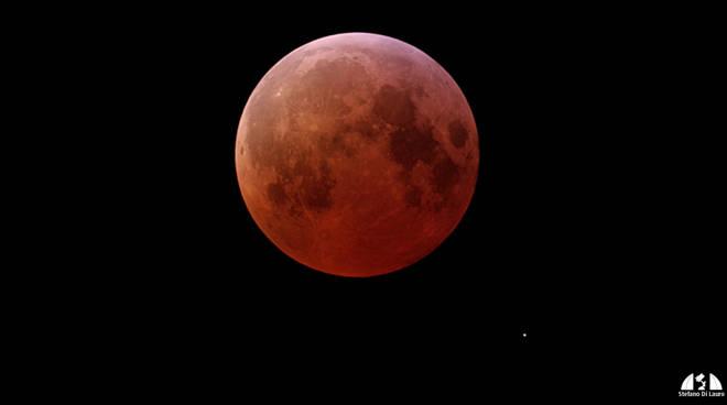 Eclissi lunare (foto dal sito del gruppo astrofili)