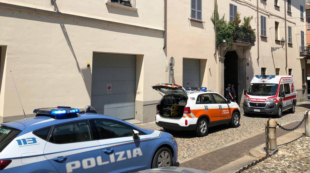 L'intervento dei soccorritori in via Borghetto