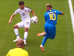 Neymar in azione contro il Costarica