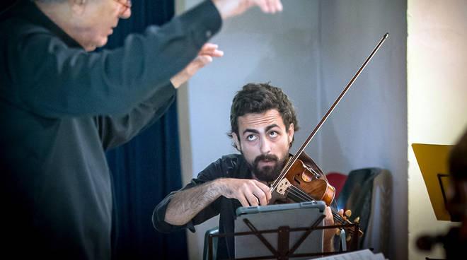 Sandro Gorli all'Auditorium Santa Chiara di Bobbio. Credits Giovanni Daniotti