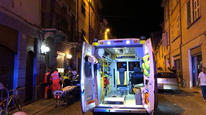 Uomo ferito in via Roma