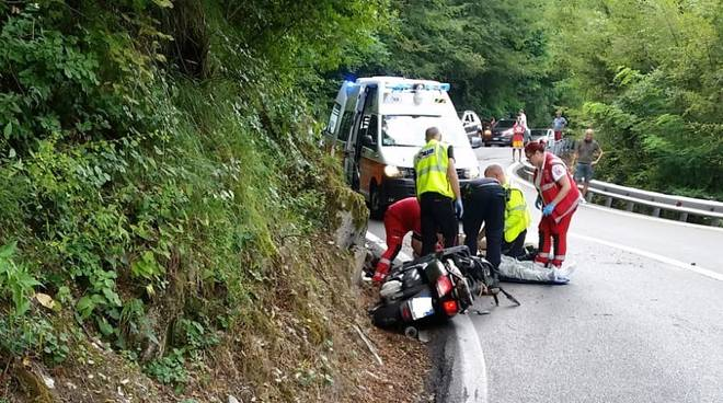 incidente moto statale 45