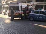 L'intervento di polizia e 118 in via Torricella a Piacenza
