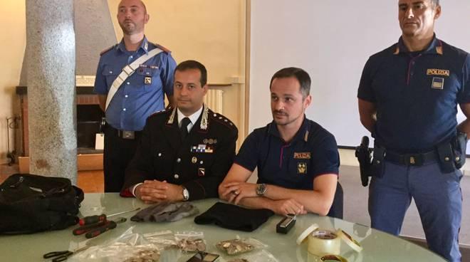 La conferenza stampa congiunta di carabinieri e polizia