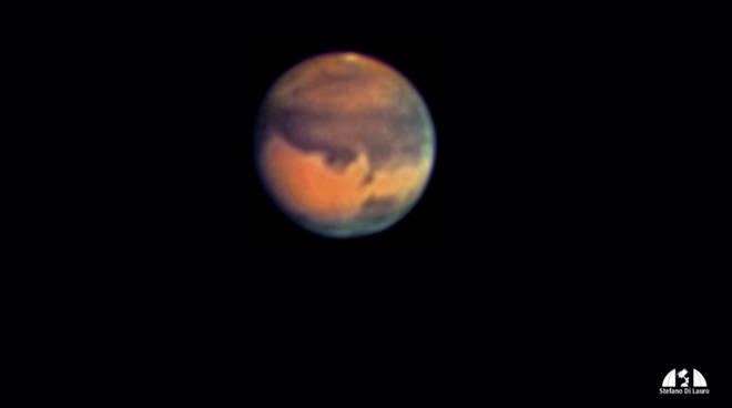 Nella foto - ripresa dal Stefano Di Lauro del Gruppo Astrofili - il pianeta Marte durante la grande opposizione del 2003