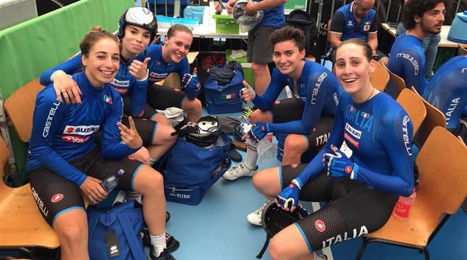 Silvia Zanardi con le altre azzurre dell'Inseguimento Donne Juniores