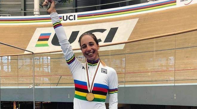 Sofia Collinelli (VO2 Team Pink) in maglia iridata