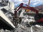 Vigili del fuoco di Piacenza al lavoro a Genova dopo il crollo del ponte
