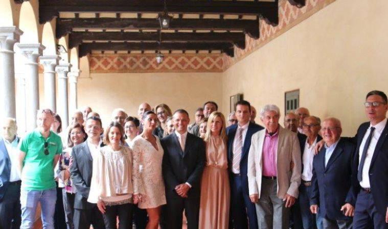 Foto di gruppo Cna Piacenza con Ernesto Badovini
