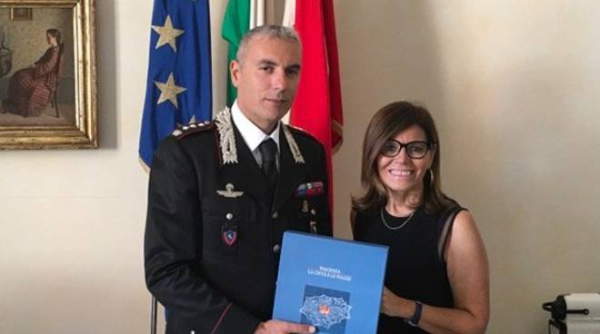 Il sindaco Patrizia Barbieri e il comandante Michele Piras