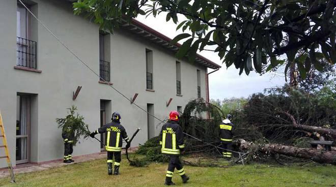 Vigili del fuoco in azione per il maltempo