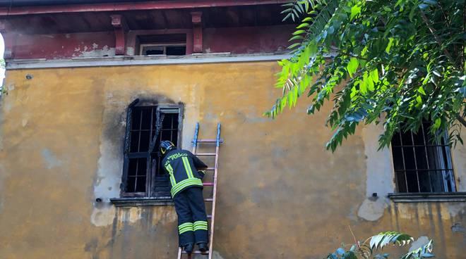 vigili del fuoco via Nino Bixio