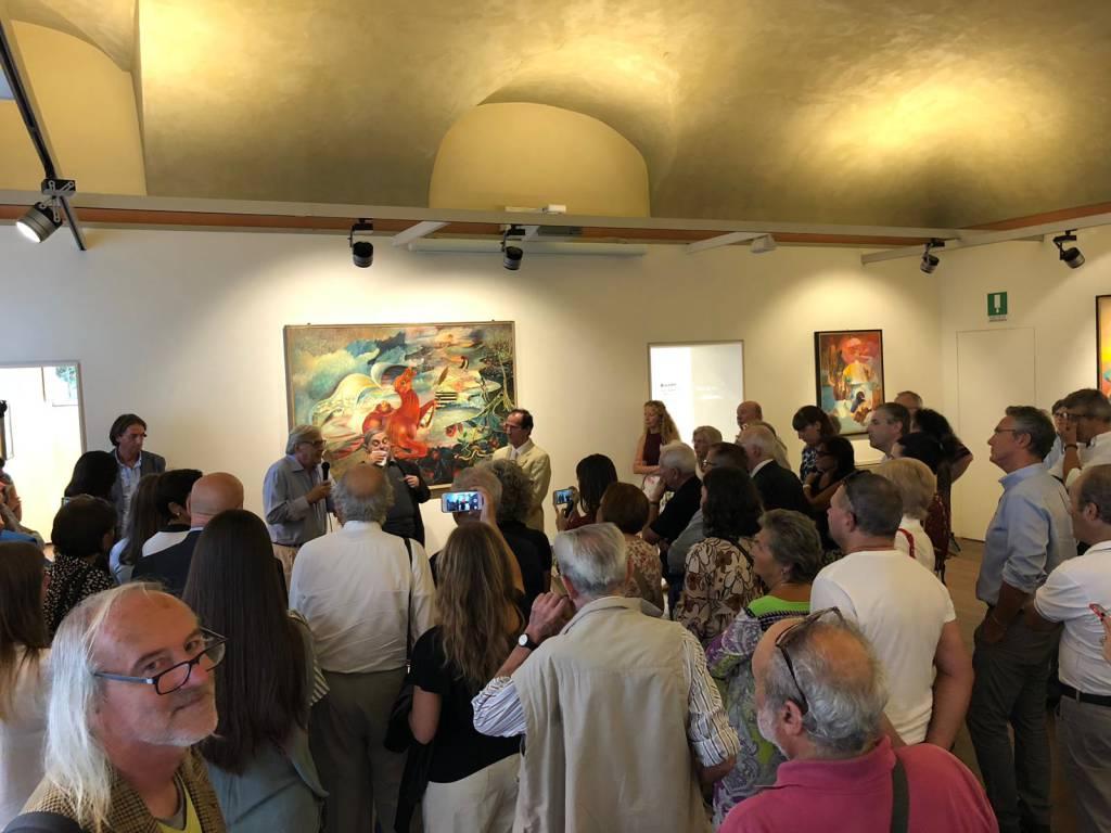 Vittorio Sgarbi alla mostra d'arte di Carlo Baruffaldi alla Biffi Arte