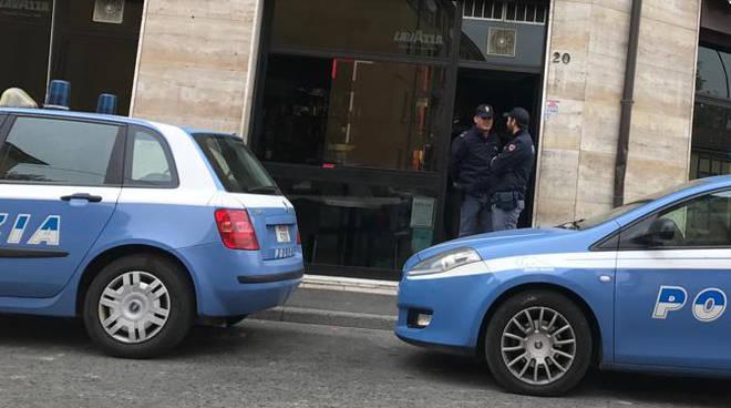 Bar chiuso Piacenza polizia
