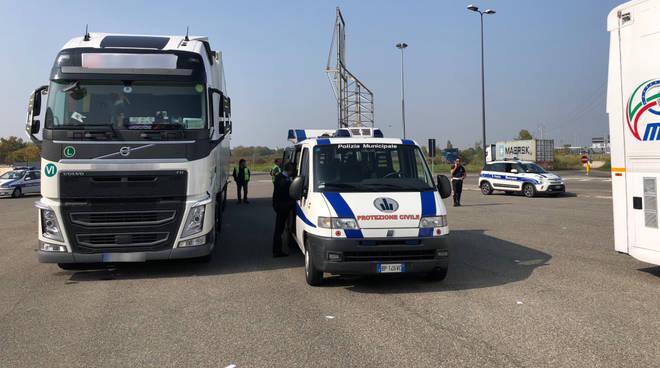 Controlli polizia municipale mezzi pesanti