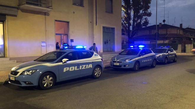 polizia in via Corneliana