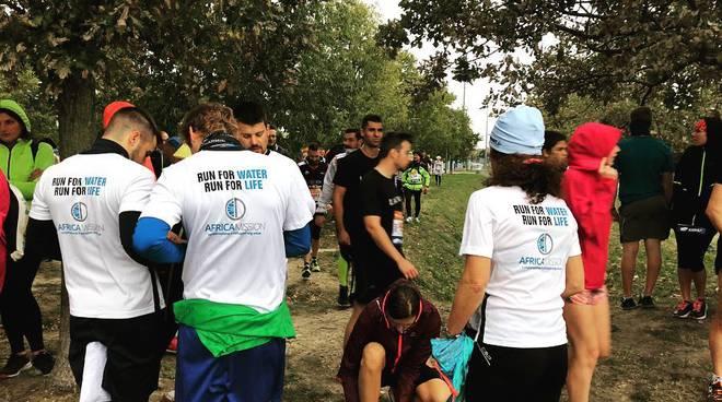 Runner Africa Mission alla Venice Marathon
