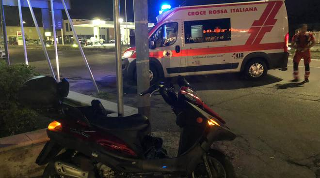 scooter e Croce Rossa incidente